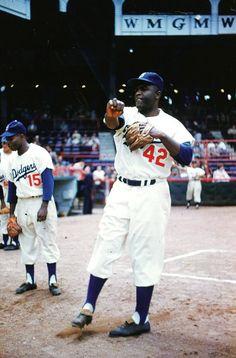 "Jackie Robinson broke baseball's colour barrier 70 years ago on April 1947 "" Baseball Playoffs, Baseball Gear, Baseball Uniforms, Dodgers Baseball, Baseball Photos, Baseball Stuff, Sports Photos, Mlb Uniforms, Baseball Wall"