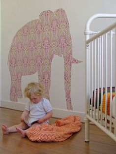 i was recently reminded of these fabulous vintage wallpaper silhouettes when someone asked me about the giraffe i drew on taylor's wall.