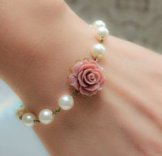 Rose Bracelet, Dusty Pink Rose, Pearl Bracelet, Floral Bridal Accessories, Shabby Chic Wedding http:// Cute Jewelry, Diy Jewelry, Jewelry Bracelets, Vintage Jewelry, Fashion Jewelry, Jewelry Making, Pearl Bracelets, Ankle Bracelets, Horse Jewelry
