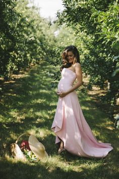 Maternity Clothes: Dressing for Your Pregnancy Maternity Dress Outfits, Maternity Skirt, Pregnancy Outfits, Maternity Wear, Maternity Fashion, Pregnancy Style, Pregnancy Fashion, Maternity Style, Belle Inspired Outfits