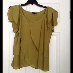 Green layered blouse hurry price ⬇️ Flowing green layered blouse feels and looks great. Tops Blouses