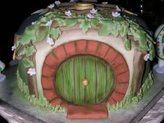 9 Hobbit Themed Wedding Cakes Photo - Lord of the Rings Rivendell Cake, Hobbit Hole Cake and Lord of the Rings Themed Wedding Cake Fancy Cakes, Cute Cakes, Pretty Cakes, Yummy Cakes, Hobbit Wedding, Hobbit Party, Dalek Cake, Hobbit Cake, Sully Cake