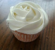 Vanilla  Buttercream Frosting (From Sprinkles Cupcakes) Probably my favorite buttercream recipe ever. I only used 3 cups of sugar and it was perfect.