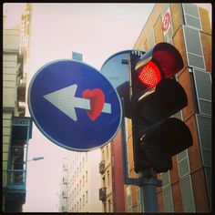 Traffic sign in #Barcelona (by unknown)