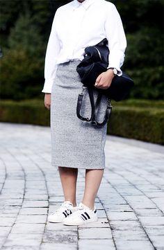 grey midi skirt, white blouse, adidas superstar sneakers, stan smith, black backpack, tomboy look - justlikesushi.com