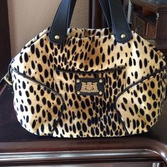 Juicy cheetah print bag! Brand new! I've only used it once! It super cute cheetah print, great size, I just don't have anything to match with it ☹️ Juicy Couture Bags