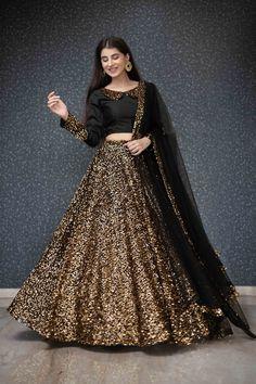 Party Wear Indian Dresses, Designer Party Wear Dresses, Pakistani Dresses Casual, Indian Gowns Dresses, Indian Bridal Outfits, Kurti Designs Party Wear, Dress Indian Style, Indian Fashion Dresses, Party Wear Lehenga