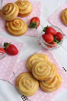 Vaniljesnurrer - My Little Kitchen Little Kitchen, Cake Pops, Pudding, Baking, Breakfast, Desserts, Food, Morning Coffee, Tailgate Desserts