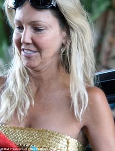 without much makeup.feel better now? I think she is a beautful lady and appreciate she seems to be real and aging gracefully. Actress Without Makeup, Celebs Without Makeup, Makeup Photoshop, No Photoshop, Celebrity Gallery, Celebrity Look, Divas, Heather Locklear, Celebrities Before And After