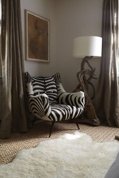 Love that zebra chair,white area rug and driftwood lamp. African Room, Home Furniture, Furniture Design, Modern Furniture, Futuristic Furniture, Plywood Furniture, Chair Design, African Interior Design, African Design