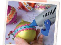 Personnaliser des boules de Noël - sur le #CDB - #dremel