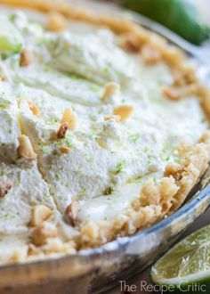 Macadamia Key Lime Pie - a creamy and delicious no bake key lime pie with macadamia nuts...