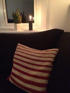 Nyt strikkekit fra Strikbar. Stribet pude strikket i superwash uld, der ikke kradser!