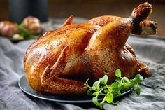 The Best Butter Injected Chicken - Grill Master University Herb Roasted Chicken, Oven Baked Chicken, Baked Chicken Breast, Sauce Au Foie Gras, Perfect Roast Chicken, Curry, Best Chicken Recipes, Breast Recipe, Food Pictures