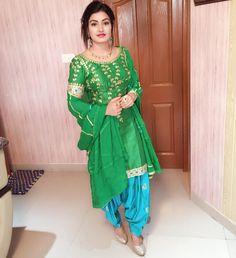Wedding Season On Top . This Beautiful Outfit Is Styled By Heer Boutiqe . Love This Combination . Thanks Have a Look… Punjabi Girls, Punjabi Dress, Punjabi Suits, Salwar Suits, Patiala Salwar, Shalwar Kameez, Anarkali, Punjabi Fashion, Indian Bridal Fashion