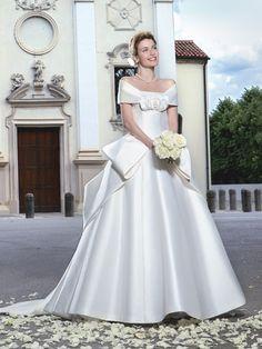 Eri Matsui wedding dress / color dress