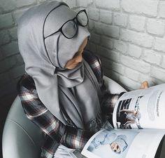 Golovkova. Love the hijab n top