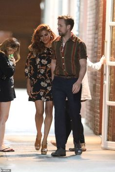 Celebrity Couples, Celebrity Style, Eva Mendes And Ryan, Looking Dapper, Romantic Dates, Ryan Gosling, Looking For Love, Celebs, Celebrities