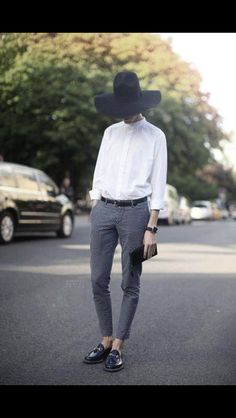 Love the look and the hat gives it the feminine touch!