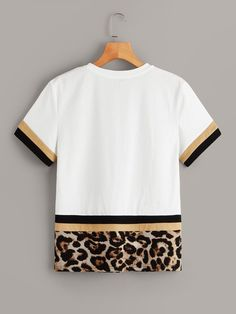 To find out about the Color Block Leopard Print Tee at SHEIN, part of our latest T-Shirts ready to shop online today! Crop Top Outfits, Dye T Shirt, How To Roll Sleeves, Printed Tees, Bunt, Blouse Designs, Sleeve Styles, Clothes, Neck Pattern
