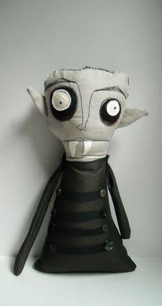 Plushie Dracula toy , Halloween makes inspiration , Count Orlok Halloween Doll, Halloween Crafts, Halloween Decorations, Zombie Dolls, Voodoo Dolls, Ugly Dolls, Creepy Dolls, Monster Dolls, Monster Art
