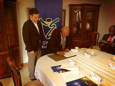 Ekurhuleni y Medellín oficializan y firman acuerdo de #CooperaciónInternacional 'Medellín más internacional'