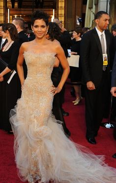 Halle Berry no one does the red carpet better than her!