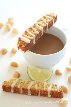 Crunchy, buttery bisotti made with macadamia nuts and drizzled with lime glaze. Sugar-free, gluten-free and grain-free