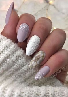 Mismatched winter nail art designs # Winter nails matte Christmas nail art designs to look trendy this season Source by mcclureharrison Source by mcclureharrison … Cute Christmas Nails, Christmas Nail Art Designs, Xmas Nails, Holiday Nails, Christmas Makeup, Christmas Design, Christmas Cookies, Cute Nails, Pretty Nails
