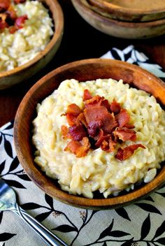 White Cheddar Orzo with Bacon | thetwobiteclub.com