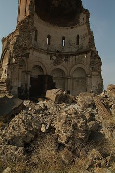 Church of the Holy Redeemer, Armenian Kingdom of Ani, SE Turkey Fall Of Constantinople, Desert Places, Byzantine Art, Turkey Travel, Ancient Ruins, Cozy Place, Present Day, Places Around The World, Abandoned Places