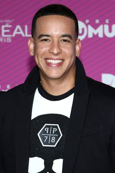 "Daddy Yankee Photos Photos - Daddy Yankee arrives at Telemundo's ""Premios Tu Mundo Awards"" at American Airlines Arena on August 20, 2015 in Miami, Florida. - Guests Arrive for Telemundo's 'Premios Tu Mundo' Awards 2015"