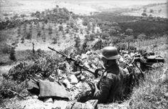 The position of the German anti-tank Rifleman AV Granatbüchse 39.Italy.