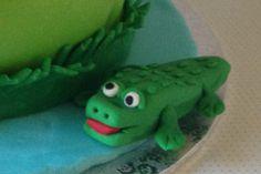 Petiscos da Sofia: Bolo de aniversário animais da selva Parrot, Dinosaur Stuffed Animal, Bird, Toys, Animals, Jungle Animals, Birthday Cakes, Snacks, Decorating Cakes