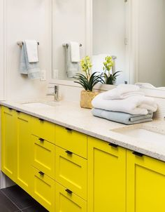 4 Home Upgrades for Every Newlywed Couple Source by gmcfurniture Bathroom Wall Cabinets, Wood Bathroom, Wood Cabinets, Bathroom Ideas, Bathroom Vanities, Bathroom Artwork, Design Bathroom, Bathroom Towels, Bathroom Interior