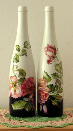 Pretty painted wine bottles with roses Bottle Top Crafts, Wine Bottle Art, Diy Bottle, Decoupage Glass, Decoupage Art, Decoupage Vintage, Recycled Glass Bottles, Painted Wine Bottles, Vase Crafts