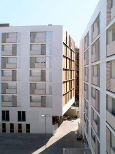 Gallery - 8 Rental Social Housing And Public Building For The Barcelona Municipal Housing / ONL Arquitectura - 8