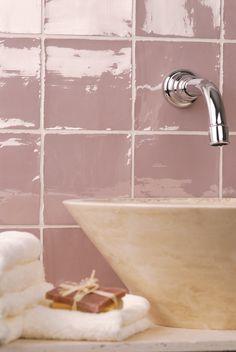 pink bathroom ideas, pink tiles