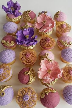 Mini dessert wedding ideas, or truly for any entertaining need, is quickly becoming our favorite topic at Strictly Weddings. Mini Desserts, Tea Party Desserts, Wedding Desserts, Baking Desserts, Health Desserts, Small Wedding Cakes, Luxury Wedding Cake, Pink Cupcakes, Birthday Cupcakes