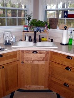 Corner Utility Sink : ... laundry rooms on Pinterest Laundry rooms, Corner sink and Laundry