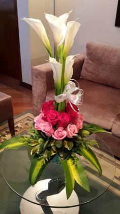 Easter Flower Arrangements, Easter Flowers, Beautiful Flower Arrangements, Flower Vases, Floral Arrangements, Beautiful Flowers, Deco Floral, Floral Design, Church Flowers