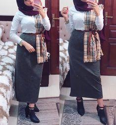 Modest Fashion Hijab, Modern Hijab Fashion, Muslim Women Fashion, Casual Hijab Outfit, Hijab Chic, Abaya Fashion, Fashion Outfits, Hijab Evening Dress, Modele Hijab