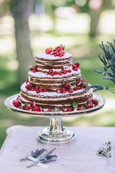 Elegant rustic inspiration shoot at Pentelikon Wedding Cake Rustic, Rustic Cake, Beautiful Wedding Cakes, Rustic Wedding Inspiration, Wedding Ideas, Wedding Desserts, Dessert Table, Naked, Lavender