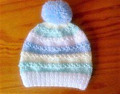 Crochet Baby Hats Ravelry: Roman Stitch Baby Hat pattern by marianna mel - Baby Cardigan Knitting Pattern Free, Baby Hats Knitting, Baby Knitting Patterns, Knitted Hats, Beanie Pattern, Crochet Patterns, Newborn Knit Hat, Newborn Hats, Boy Newborn