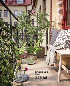 IKEA - Make a balcony garden without planting by using artificial plants, flowers and textiles. Artificial Plants And Trees, Artificial Plant Wall, Ikea Portugal, House In Nature, Balcony Garden, Paris Balcony, Balcony Ideas, Small Space Gardening, Plantar