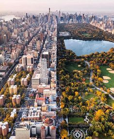 A gorgeous view on NYC // Central Park. Do you live or want to live in NYC? Ta… A gorgeous view on NYC // Central Park. 🌳 Do you live or want to live in NYC? 🗽 Tag a friend who loves big city living! Central Park, Central City, Photography Beach, Travel Photography, Adventure Photography, Canon Photography, Manhattan, Luxury Boat, Voyage New York
