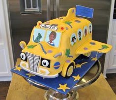 Magic School Bus cake and many party ideas for children based on children's books.