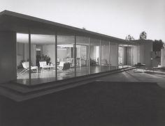 Drake House, 1952 Phoenix, AZ / Blaire Drake, architect © Julius Schulman
