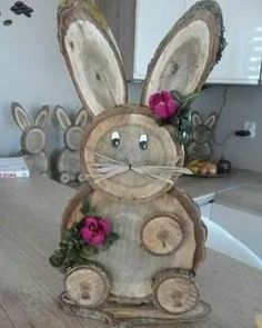 Wood Log Crafts, Wood Slice Crafts, Diy Wood Projects, Garden Projects, Spring Crafts, Holiday Crafts, Diy Crafts To Sell, Crafts For Kids, Wood Creations