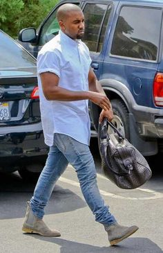 10 Kanye West Outfits That Scream Steeze - Freemium Style Kanye West Shirt, Kanye West Outfits, Kanye West Style, Kanye West Fashion, Chelsea Boots Outfit, Mode Masculine, Look Hip Hop, Bootfahren Outfit, Outfit Ideas